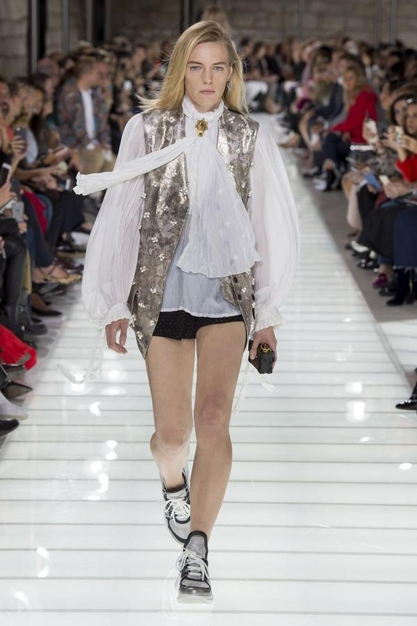 Louis Vuitton (Vogue)