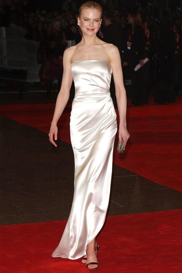 Nicole Kidman 2003 Emanuel Ungaro strapless pale pink satin gown (Glamour)