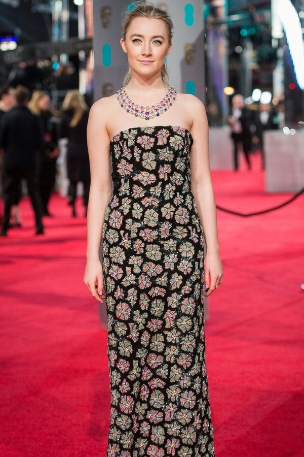 Saoirse Ronan 2016 Burberry (Vogue)